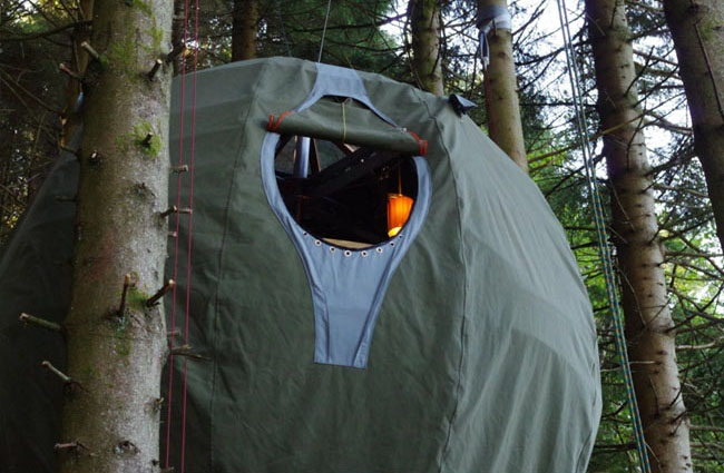 Tree Tent porthole window (image by Luminair)