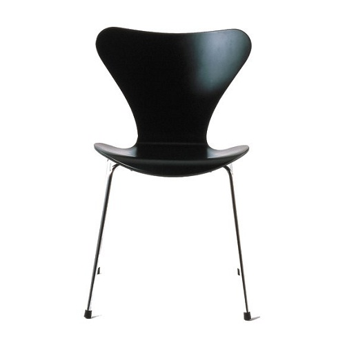 Series 7 chair by Arne Jacobsen for Fritz Hansen (image from Corporate Culture)