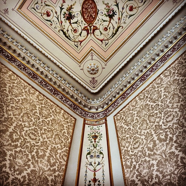 Detail of a Georgian Interior at the Hurlingham Club (image by Sabi Style)
