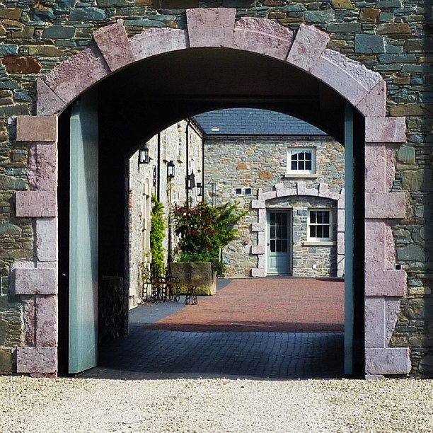 Entrance to Florida Manor in Killinchy (image by Sabi Style)